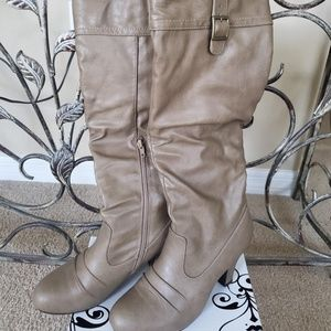 #248 Rampage Camel/Tan Boot w/Heel Size 8